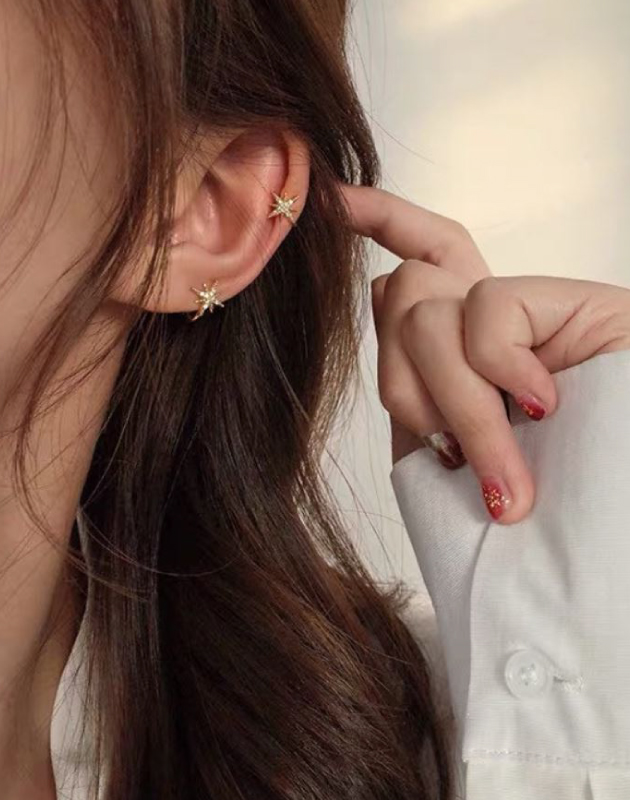 STELLA Cubic Zirconia Star Ear Cuff