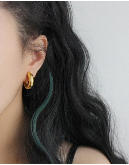 DORA Gold Hoop Earrings