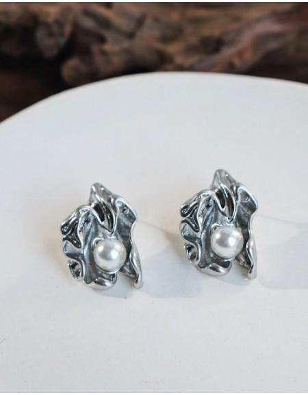 JOSÉPHINE Silver Pearl Earrings